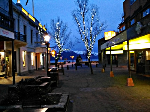 Early morning in Queenstown mall