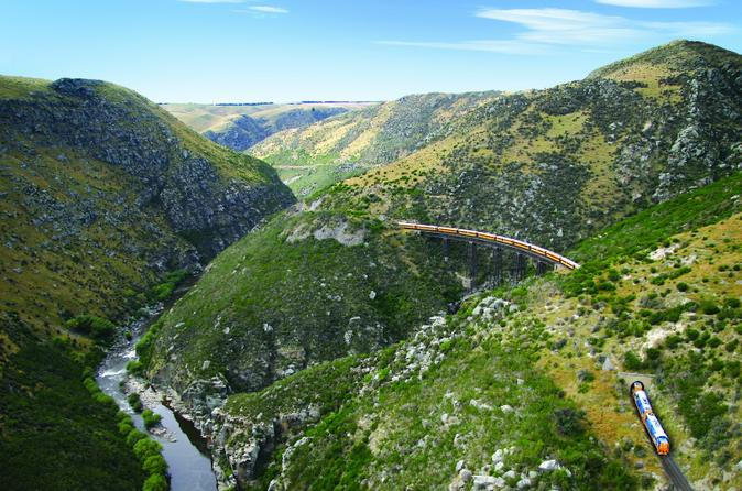 All aboard for amazing scenery on the Taieri Gorge Railway