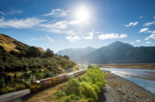 Take the iconic Tranz Alpine train on a small group tour from Christchurch - click for more details