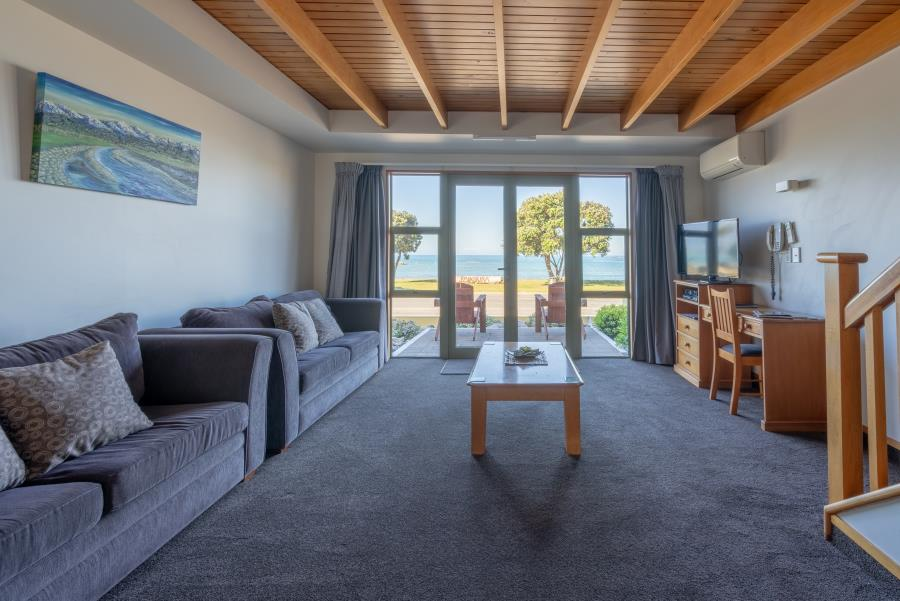 A 2 bedroom ocean view unit at the Anchor Inn Kaikoura. Click for more information.