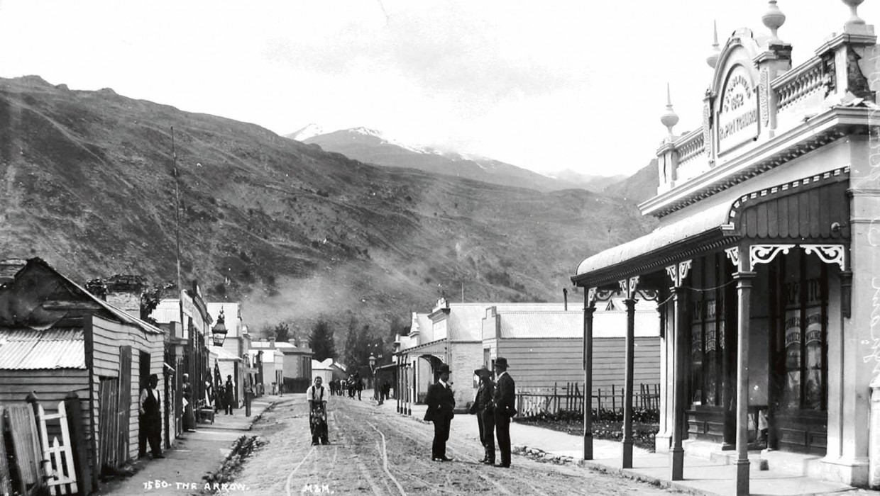 Buckingham St Arrowtown Circa 1905. Image courtesy Arrowtown Promotion And Business Association
