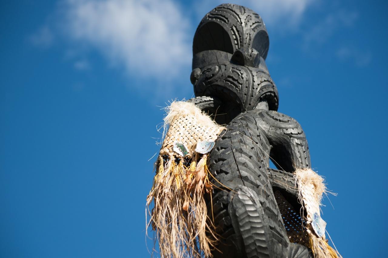 Maori Pou at Gate Pa historical site - picture courtesy Brian Scantlebury