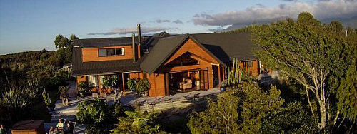 B and B luxury at Bird's Ferry Lodge. We thank them for the image