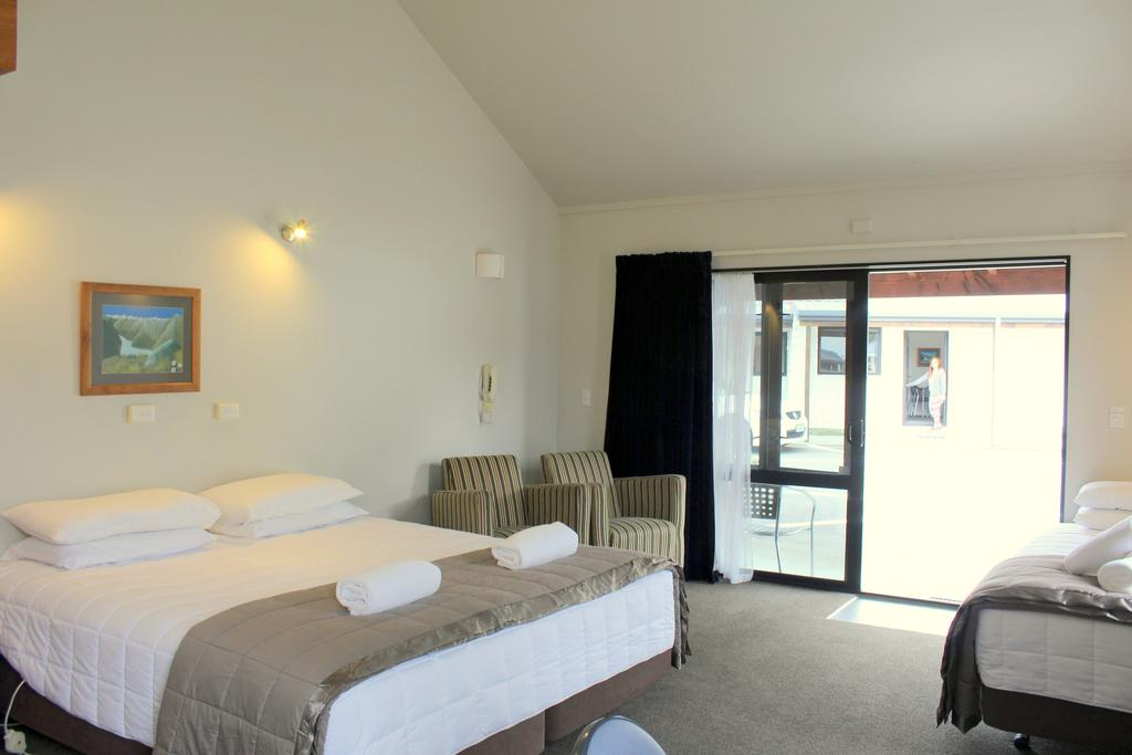 Alpine Glacier Motel Franz Josef room