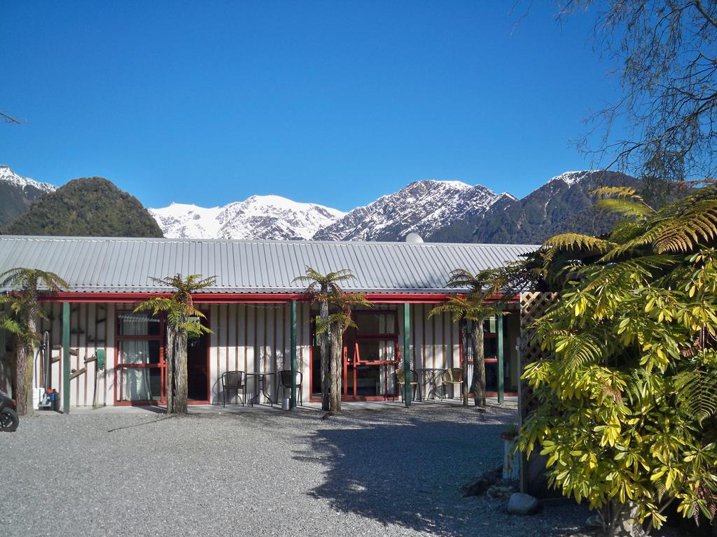 Glow Worm Accommodation Franz Josef exterior