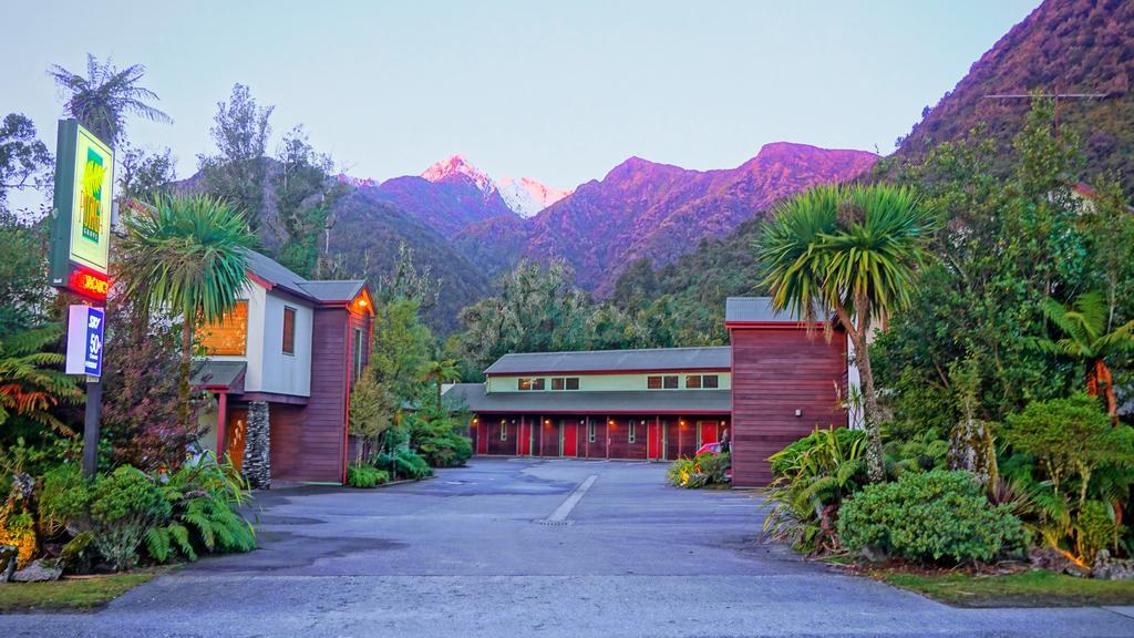 Punga Grove Franz Josef exterior