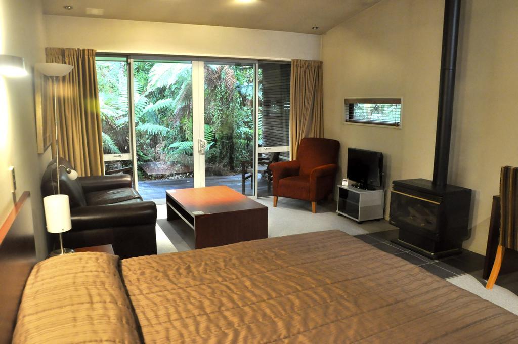 Punga Grove Franz Josef room