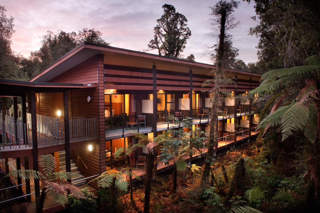 Te Waonui Rainforest Retreat Franz Josef exterior