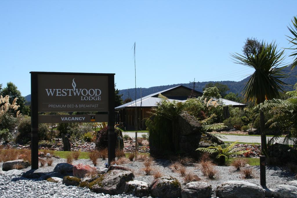 Westwood Lodge Franz Josef exterior