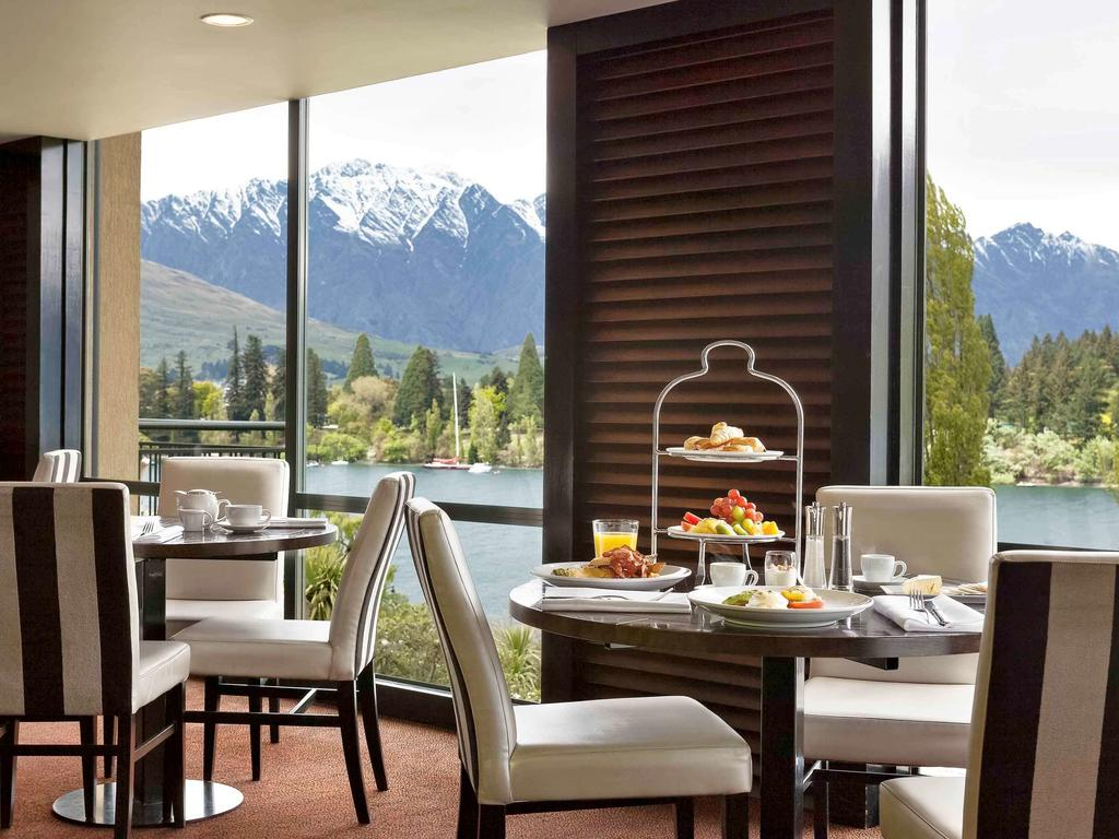 Booking.com Hotel St Moritz Queenstown dining room