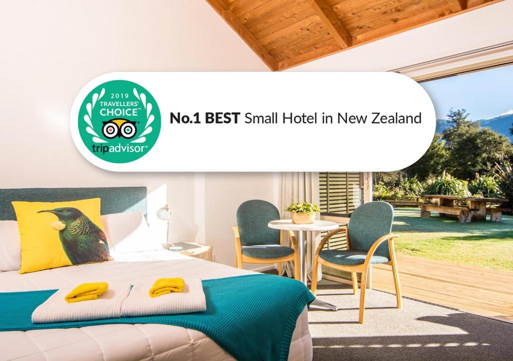 The Award winning Abel Tasman Lodge at Marahau near the Abel Tasman National Park. Image courtesy Booking.com. Click for more info on the Abel Tasman Lodge