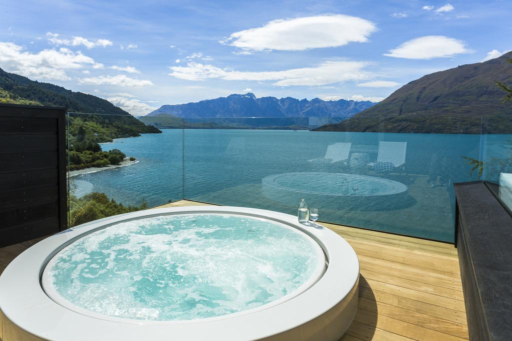 Booking.com Matakauri Lodge Queenstown outdoor spa