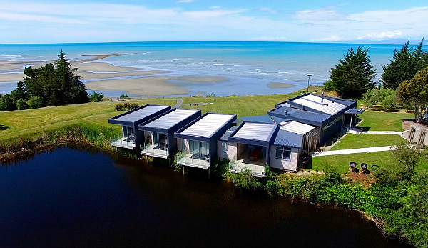 Luxury stay at The Waters, Kina Peninsula - click for more information