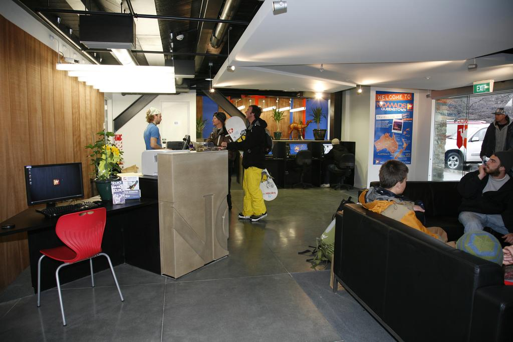 Booking.com Nomads Queenstown Backpackers lobby