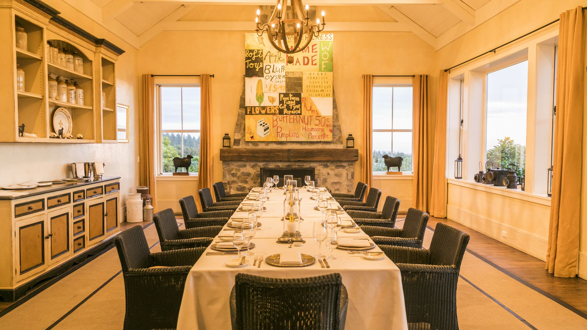 Dining at Cape Kidnappers - pic courtesy Robertson Lodges