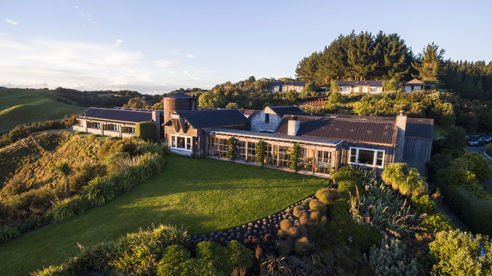 Cape Kidnappers Lodge - pic courtesy Robertson Lodges