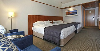 A spacious Premium Room at Commodore Airport Motel Christchurch