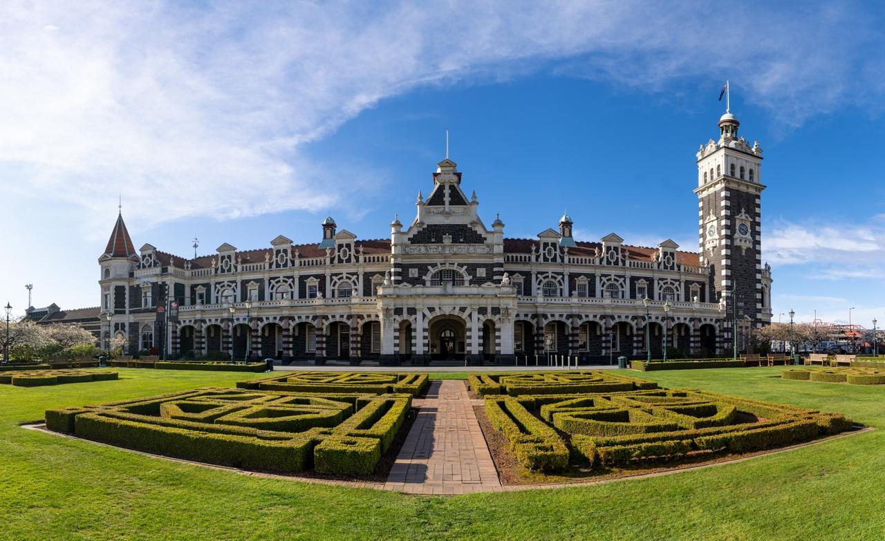 Historic Dunedin Railway Station. Image courtesy DunedinNZ