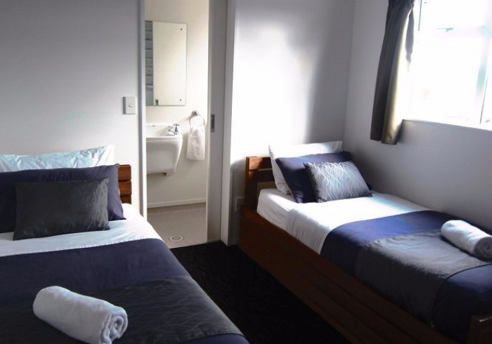 Twin room with ensuite at Haka Lodge Taupo