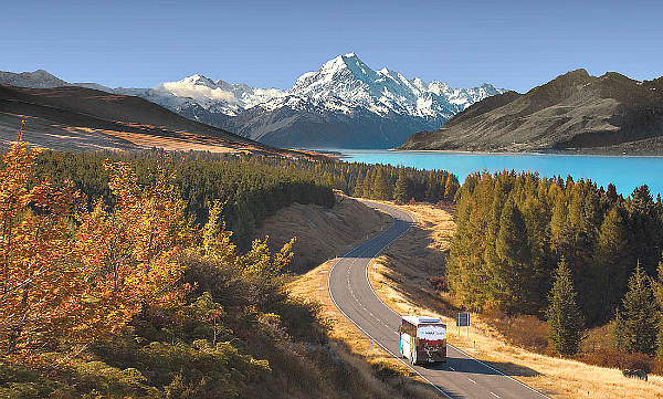 Kirra Tours coach near Lake Pukaki on the South Island