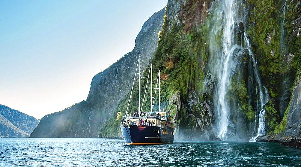 Kirra Tours Milford Sound cruise