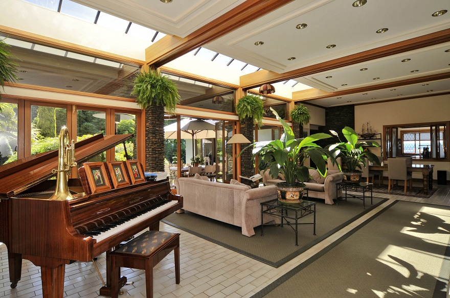 Lake Taupo Lodge lounge - pic courtesy Lake Taupo Lodge