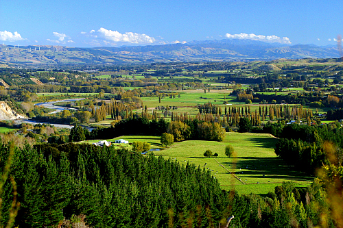 The Lower Pohangina valley - pic courtesy manawatunz.co.nz