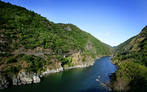 Te Apiti - Manawatu Gorge - pic courtesy ManawatuNZ.co.nz