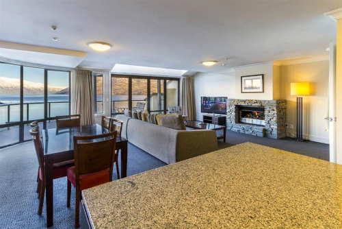 A spacious apartment at Peppers Beacon Queenstown