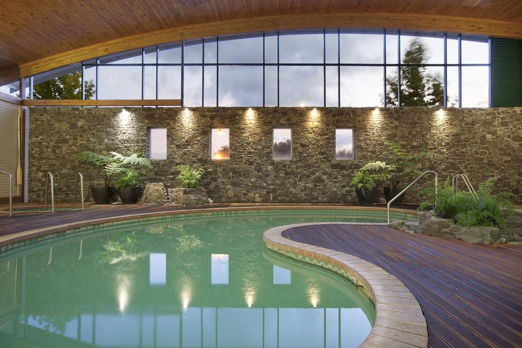 The heated pool at Novotel Rotorua Lakeside