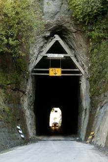 Taranaki Moki Rd Tunnel Courtesy Rob Tucker