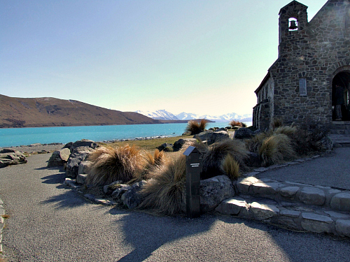 Picture of Lake Tekapo and the much photographed Church of the Good Shepherd
