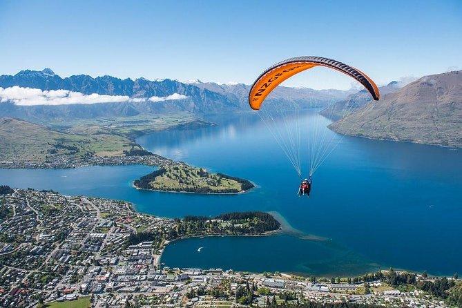 Tandem paraglide over Queenstown