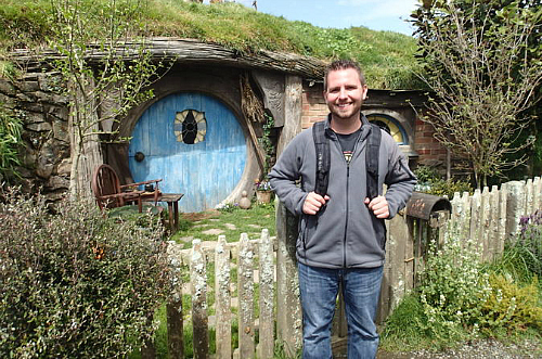 What an amazing day visiting the Waitomo Caves and the Hobbiton movie set