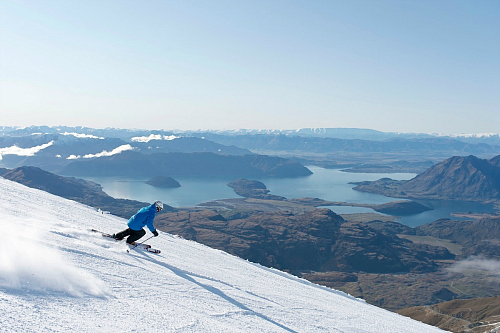 Skiing Treble Cone - image by WanakaNZ