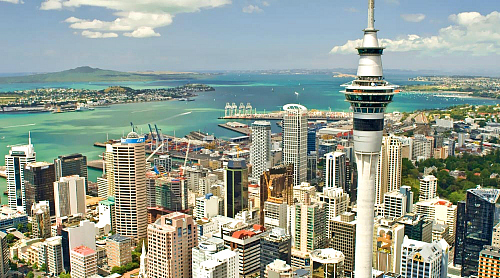 Kirra Tours Auckland skyline