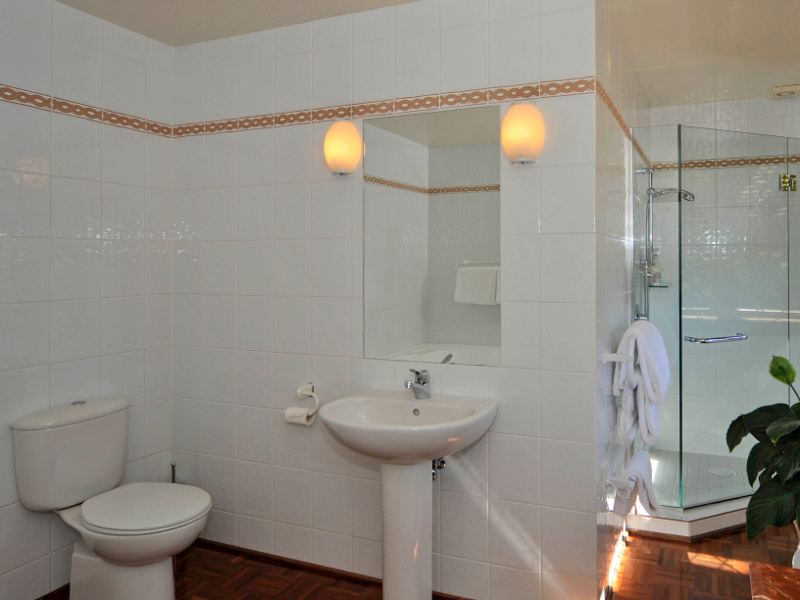 Luxurious bathroom at Lake Taupo Lodge - image courtesy Lake Taupo Lodge