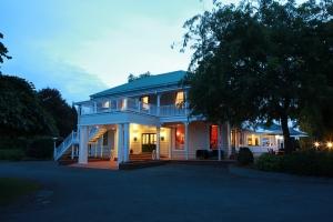 The elegant Mangapapa Lodge