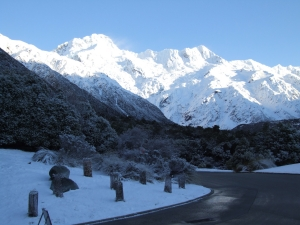 The sun shines on Mt Cook