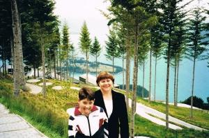 Kim and Tim at Bob's Peak back in 1999.