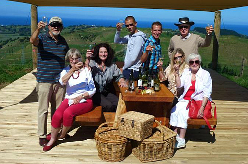 Relaxing on the Napier Afternoon Wine Tour