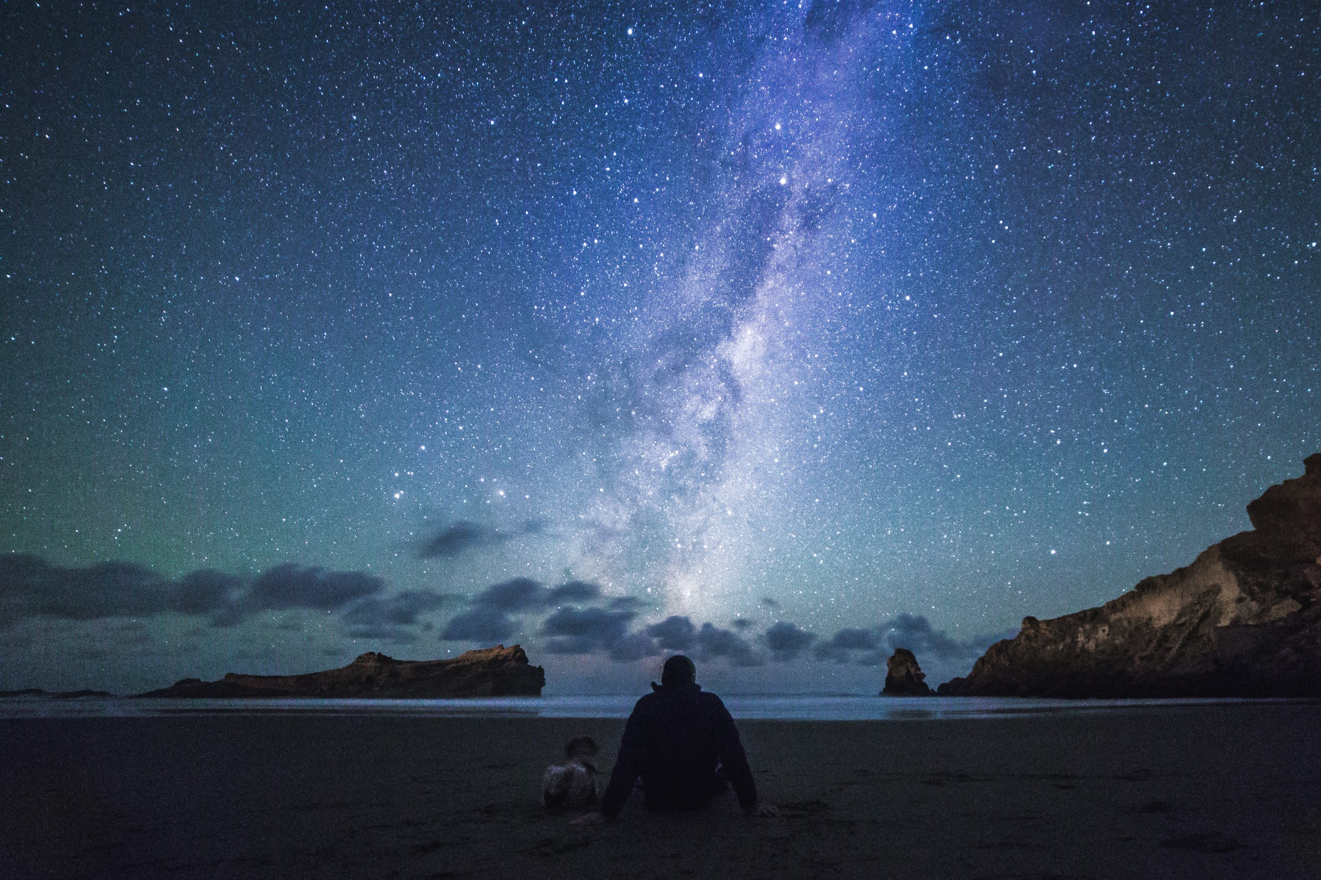 Night sky at Castlepoint in the Wairarapa. Image courtesy Daniel Rood and TNZ